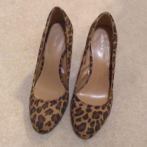 Merona leopard heels size 8